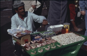 Zahnhändler_in_Marokko