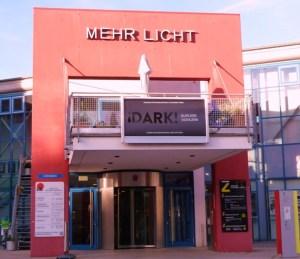 Eingang des Lichtkunstzentrums Unna